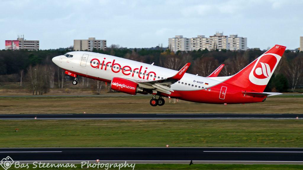airberlin | B737-700 | D-AHXF | EDDT/TXL