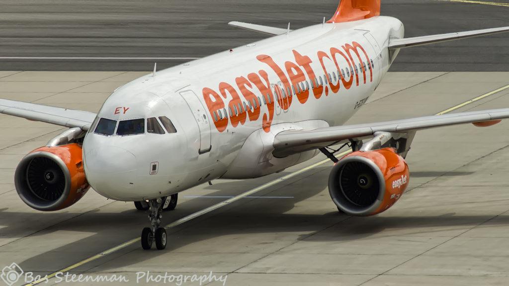 easyjet | A319 | G-EZEY | LOWW/VIE